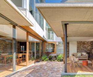 Nikki Maloneys by Drew Heath Architects, photography by Owen Zhu