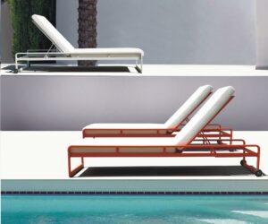 Milan sunbeds orange & white by pool