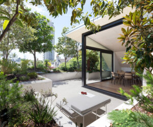 Darlinghurst Rooftop, CO-AP Architects. Photo by Ross Honeysett
